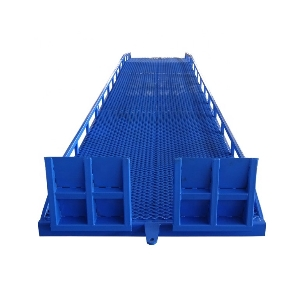 China 6 Ton Dock Levellers /Mobile Type Hydraulic Yard Ramp