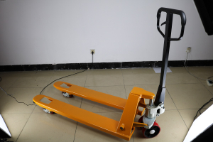 Site photos of hand pallet truck