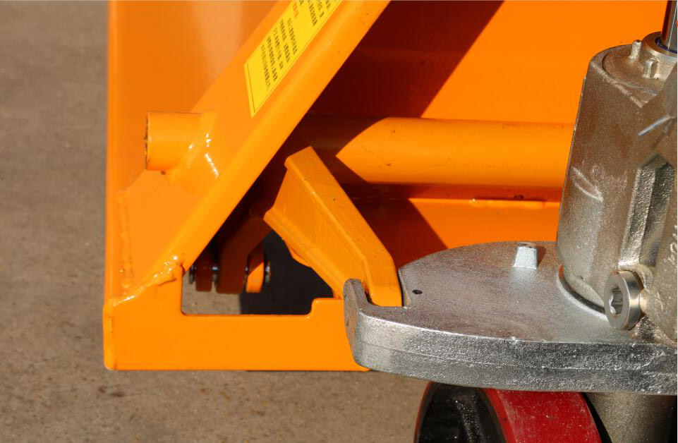 site photos of hand pallet truck12.jpg