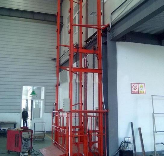 China cargo platform lifts manufacturers21.jpg