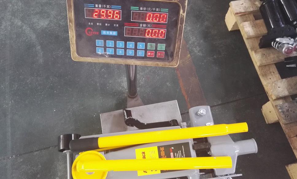 3T floor jack-30kg with pedal.jpg