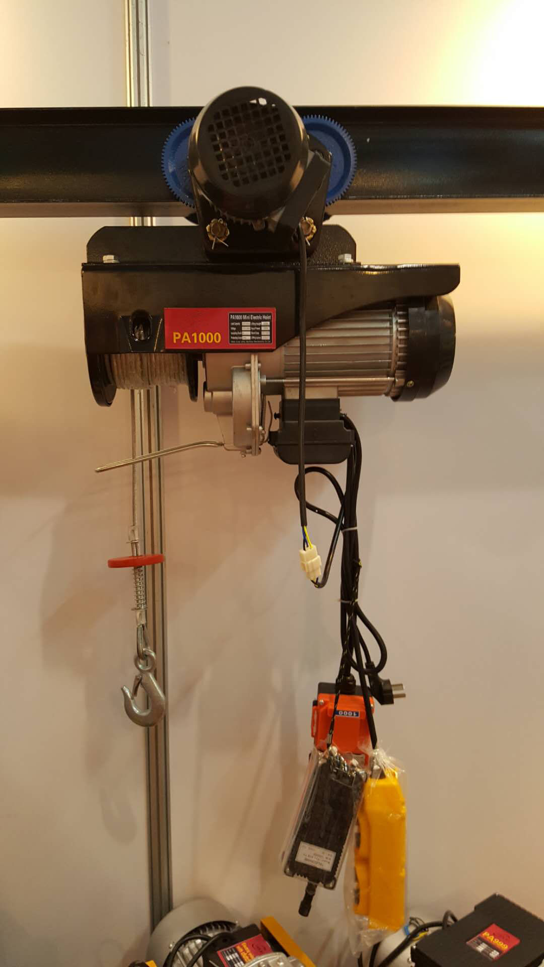 Remote control for electric trolley type PA hoist1.jpg