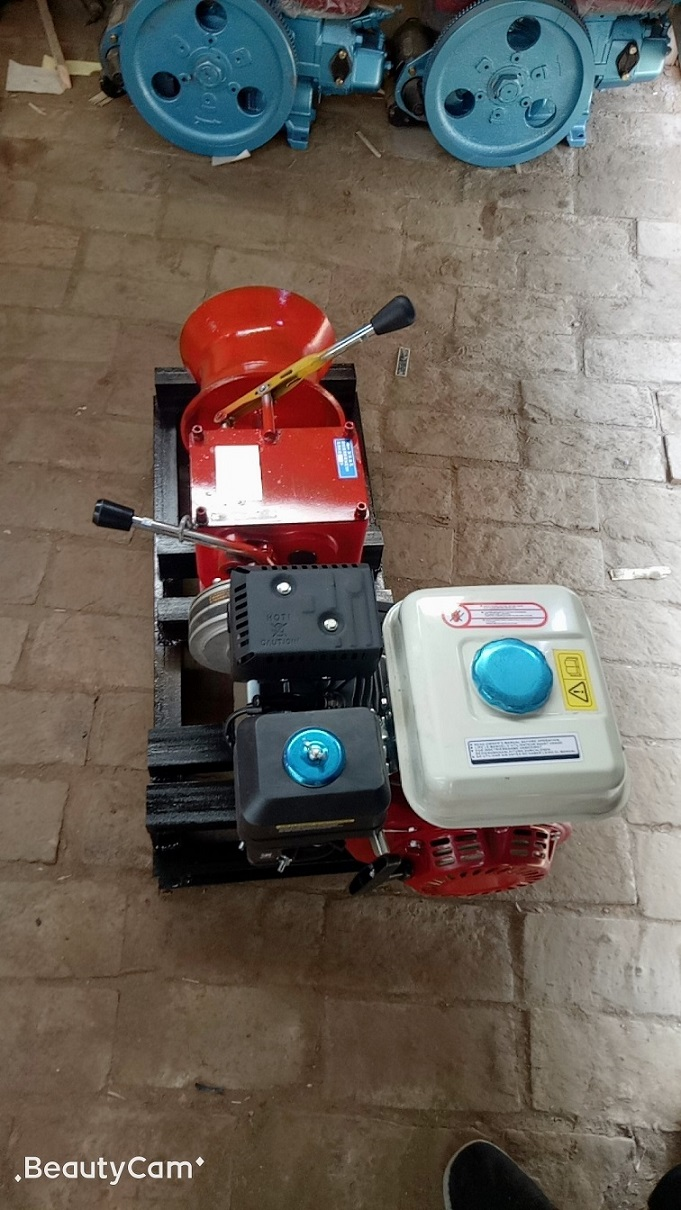 Winches powered by gasoline engine 1ton-7.jpg