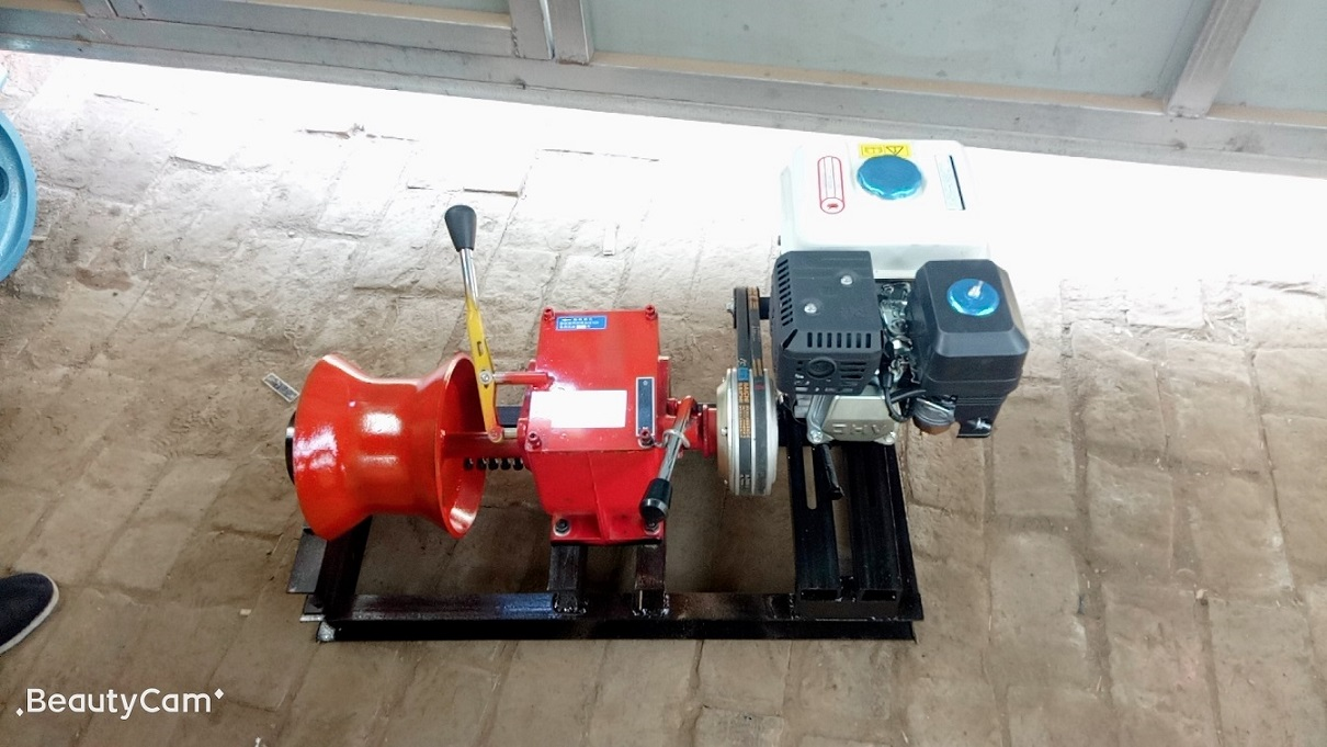 Winches powered by gasoline engine 1ton-6.jpg