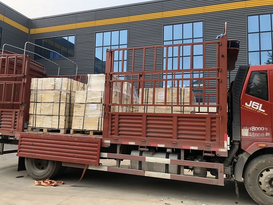 Load pictures of 5 ton and 7.5ton DHP type group lifting electric chain hoist with Control Cabinet (6 pallets)13.jpg